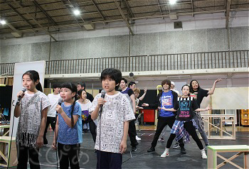 radiantbaby05_05_7404.jpg